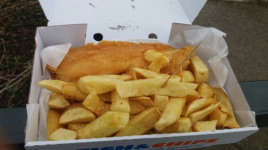 Penistone, UK: Delicious fish and chips!