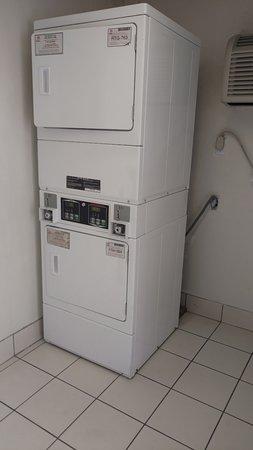 Motel 6 Galveston: coin laundry dryers