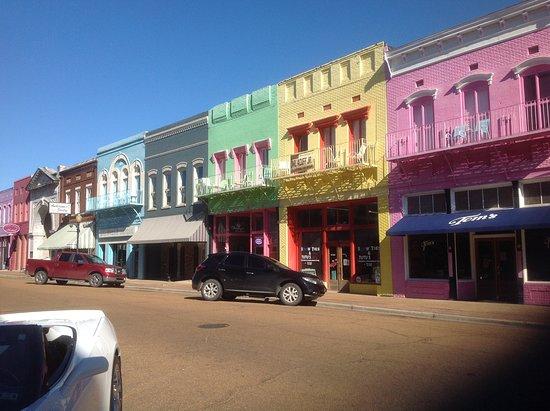 Yazoo City, MS: Hotel from Main Street
