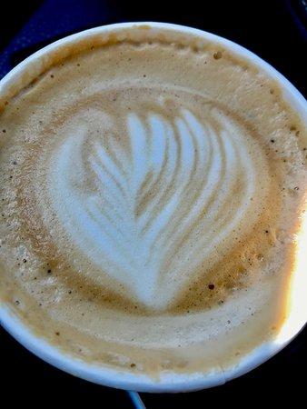 Catalina Cafe: 16 oz. latte to go