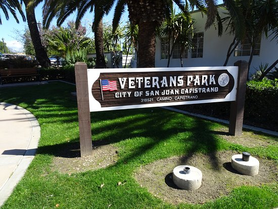 Veteran's Park: Nice little pocket park with a mission and a message