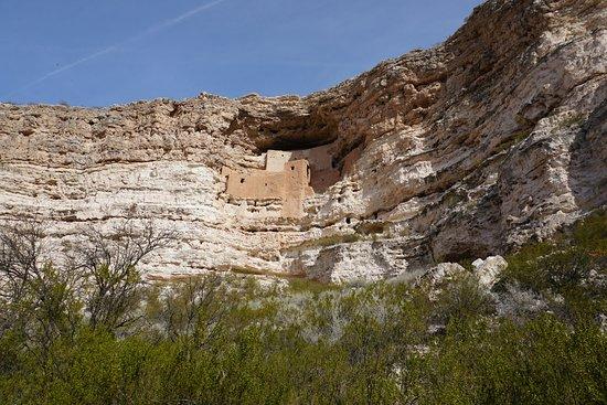 Montezuma Castle National Monument: Montezuma Castle (5 Stories structure)