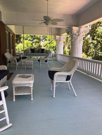 Herlong Mansion Bed and Breakfast Inn: Favorite spot on the 2nd floor veranda