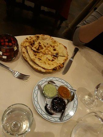 restaurant le new punjab dans grasse avec cuisine indienne. Black Bedroom Furniture Sets. Home Design Ideas