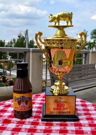 Lewisburg, TN: Award winning sauces