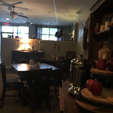 Bert's Southern Cooking: Nice ambiance!