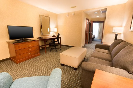 Brentwood, MO: Suite