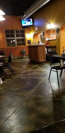 Chickasha, OK: BJ's Pizza & Grill
