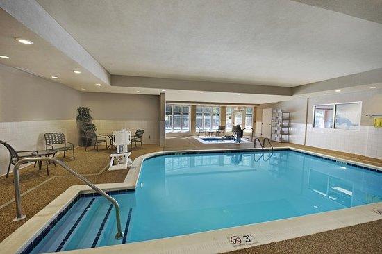 Dowell, MD: Pool