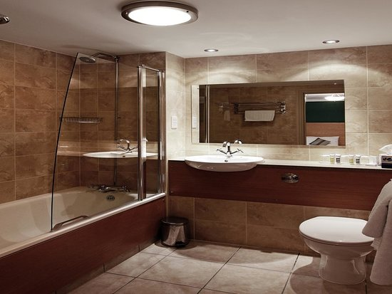 Mercure altrincham bowdon hotel now 71 was 7 4 - Altrincham leisure centre swimming pool ...