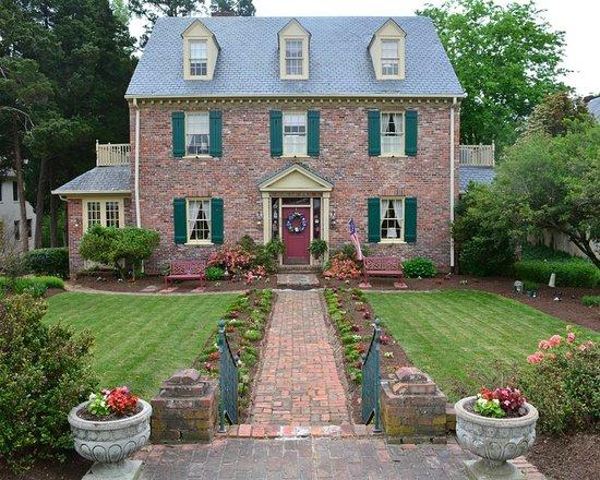 cedars of williamsburg bed and breakfast updated 2018 prices b b reviews va tripadvisor. Black Bedroom Furniture Sets. Home Design Ideas