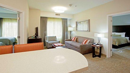 Lanham, MD: Guest room