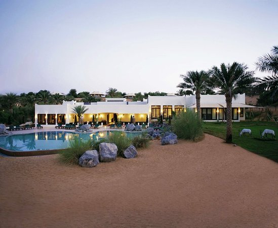 Al Maha, A Luxury Collection Desert Resort & Spa : Pool