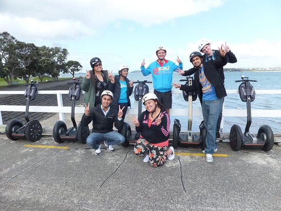 Devonport, New Zealand: Loads of FUN for this Family Group