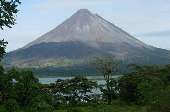 2 Days: Arenal Volcano & Tabacon Hot...