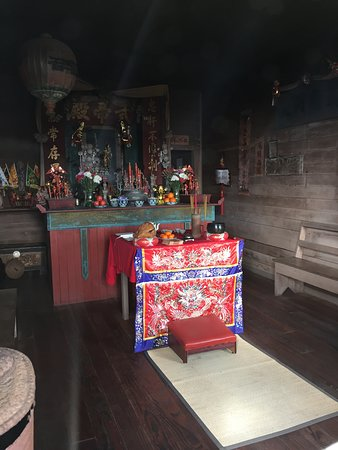 Temple of Kwan Tai: The altar, still active temple