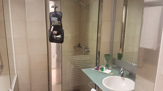Ayre Hotel Caspe: 20180320_222110_large.jpg