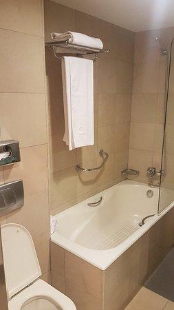 Ayre Hotel Caspe: 20180320_222117_large.jpg