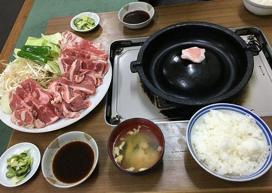 Kanegasaki-cho, اليابان: 生ラムとラム定食(複数人前)
