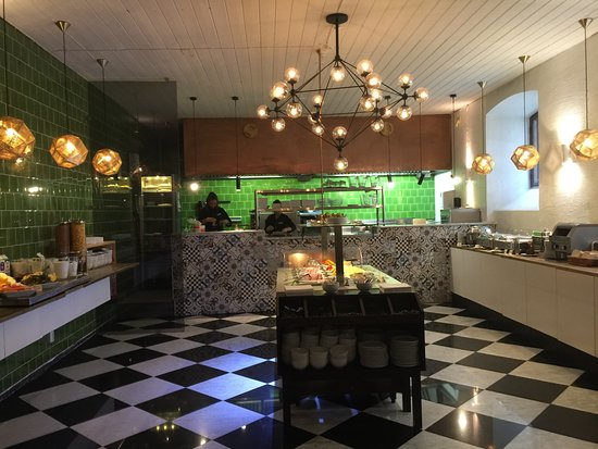 Mayfair Hotel Tunneln: plenty of breakfast food!