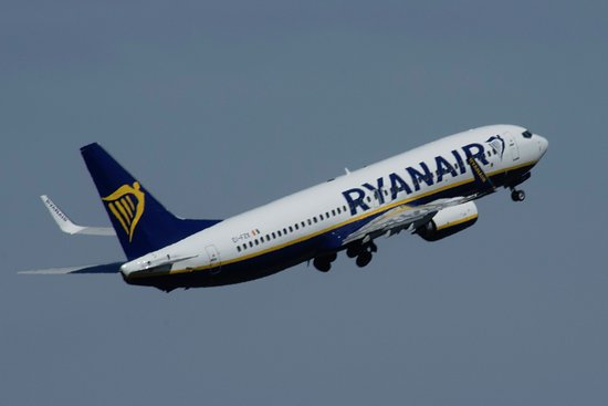 Eglinton, UK: Ryanair Flights