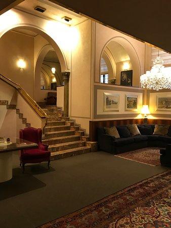 Accademia Hotel: Lobby
