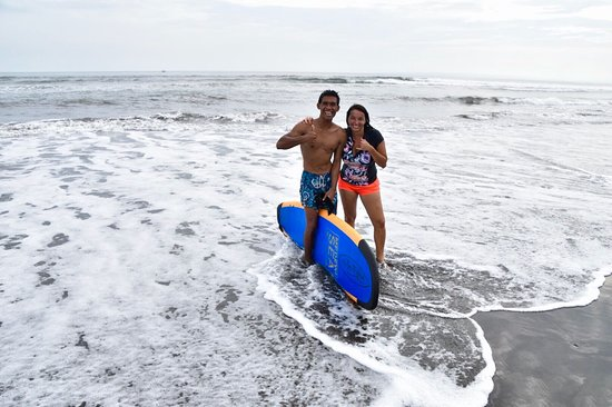 Medewi, อินโดนีเซีย: great surf start on the fist time prescillia hit the white water surf session in our surf scamp