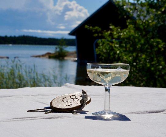 Houtskar Island, Finlandia: Relax on the by sea - Rentoudu rannalla