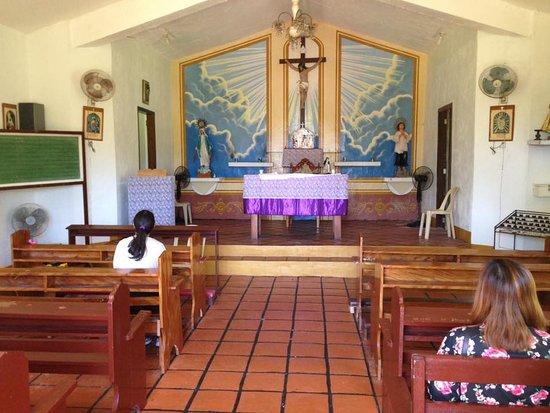 San Lorenzo Ruiz Chapel: Interior