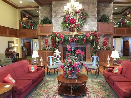 The Inn at Christmas Place: 20180312_183438_large.jpg