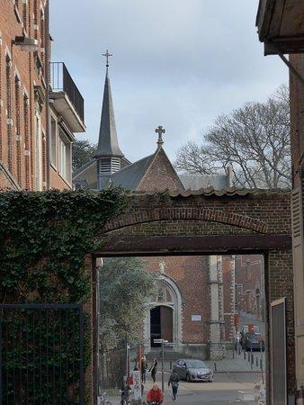 Sint-Antoniuskerk view on entrance