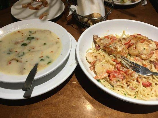 Southgate, MI: Chicken Carbonara and Zuupa Toscana