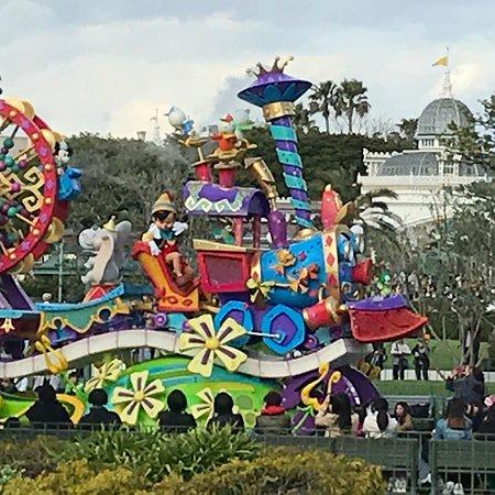 Tokyo Disneyland : 楽しいパレードでした