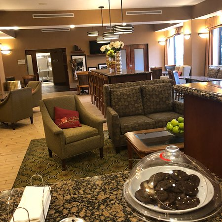 Hampton Inn Kansas City/near Worlds of Fun: The hotel is clean, comfortable and well kept.