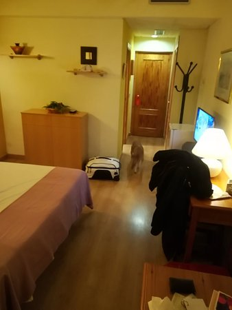 Hotel Los Templarios: IMG_20180322_234924_large.jpg