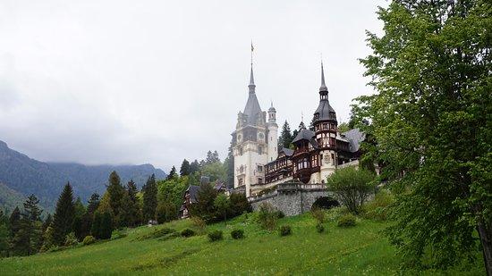 Κλουζ-Ναπόκα, Ρουμανία: Palace from a fair-tale