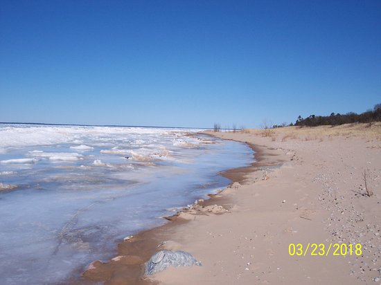 Good Hart, มิชิแกน: Looking North towards the Sturgeon Bay and the Straits.