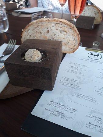 Foxcroft Restaurant: Bread with chicken butter