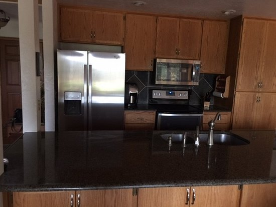Black Butte Ranch, OR: New stainless steel appliances really make a huge difference!