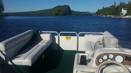 Capt Rogers Pontoon Boat Rental: Traveling down the Moose River into Moosehead Lake