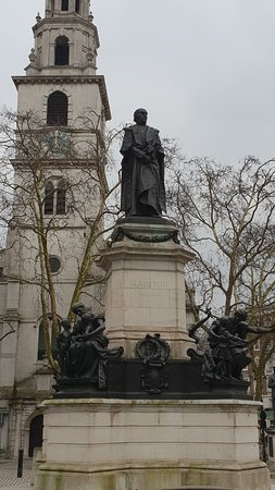 Bomber Harris Statue