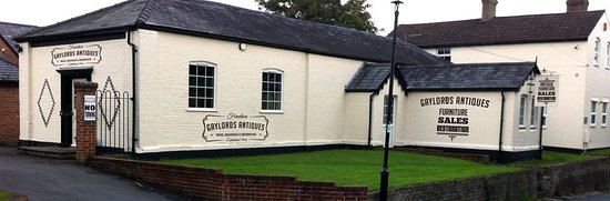 Titchfield, UK: GAYLORD ANTIQUES AT THE OLD SCHOOL IN HISTORIC  VILLAGE