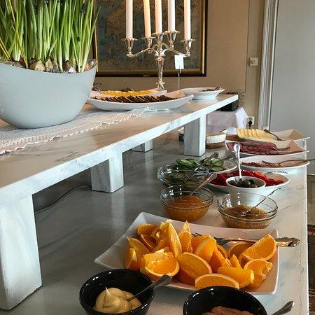 Kalix, Suécia: Frukost serveras i herrgården eller i anslutning till hotellrummen.