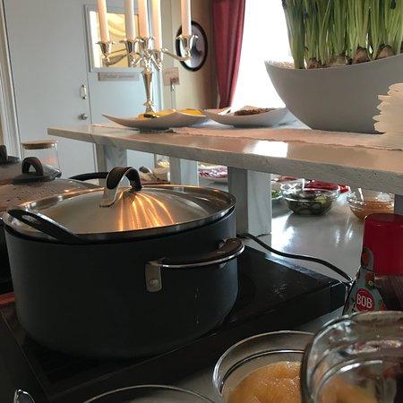 Kalix, Szwecja: Frukost serveras i herrgården eller i anslutning till hotellrummen.