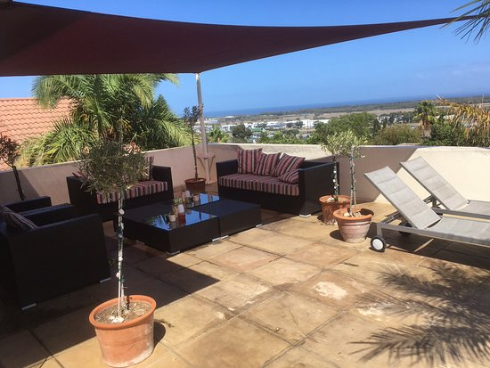 Pink Rose Guesthouse & Spa - Gay resort: Outdoor lounge terrace