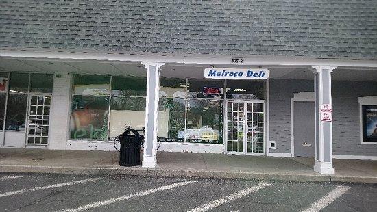 Hampton Bays, NY: Melrose Deli