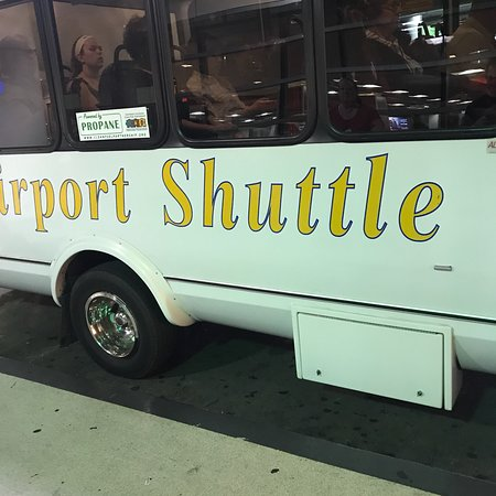 photo0 jpg picture of airport shuttle new orleans new orleans rh tripadvisor com