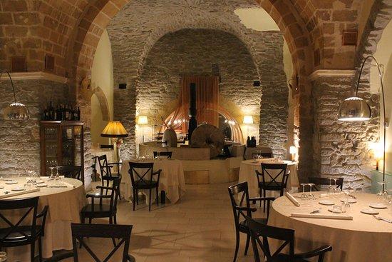 Echi Antichi Restaurant - Wine...