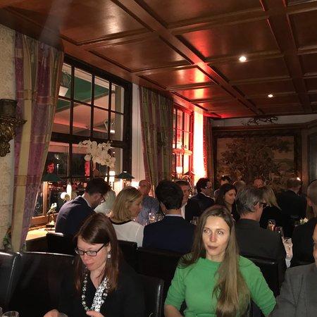 ashley 39 s restaurant d sseldorf golzheim restaurant bewertungen telefonnummer fotos. Black Bedroom Furniture Sets. Home Design Ideas