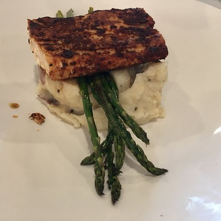 Fitzpatrick's Deli & Steakhouse: Blacken Mahi